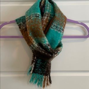 🛍 Turquoise & Brown Plaid Scarf